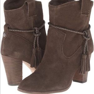 Dolce Vita Melah Boots in Olive Suede size 9.5